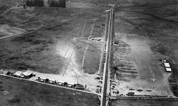 A 1922 aerial photograph looking west at Rogers Airport (photo courtesy of Bob Beecher.) Note San Vicente Blvd coming in at its angle from the south.